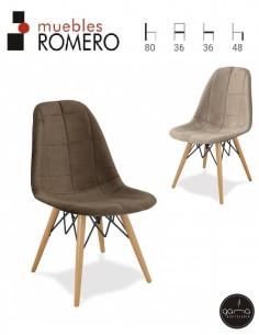 Silla de madera con asiento...